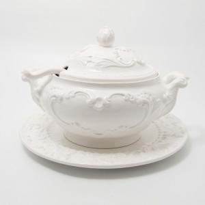 Супница с подставной тарелкой и ложкой