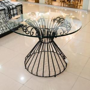 Комплект из стола и 4х стульев