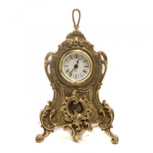 Каминные часы из литой латуни с декором в стиле барокко
