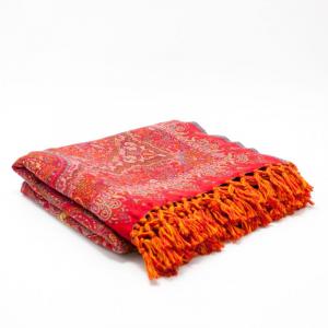 Яркий шерстяной плед с богатым индийским орнаментом Magical Marigold
