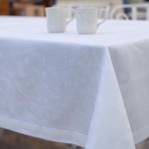 Скатерть белая Oval 100% лен