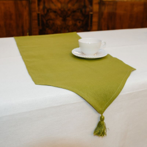 Раннер зеленый с кисточкой Busatti
