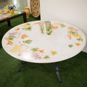 Стол с круглой каменной столешницей и прочной металлической базой «Виноград»
