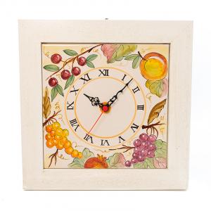 Часы керамические в деревянной раме