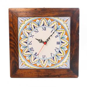 Часы квадратные керамические в деревянной раме