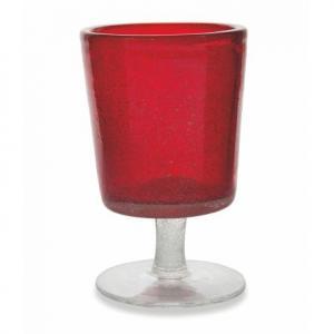 Бокал для вина из красного прозрачного стекла с воздушными пузырьками