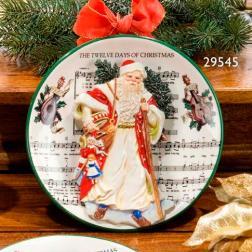 Тарелка декоративная с рельефным изображением Деда Мороза