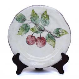 Тарелка ручной работы с изображением вишни