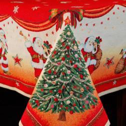 Новогодняя скатерть с красочным рисунком
