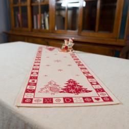 Новогодний раннер в красно-белой палитре