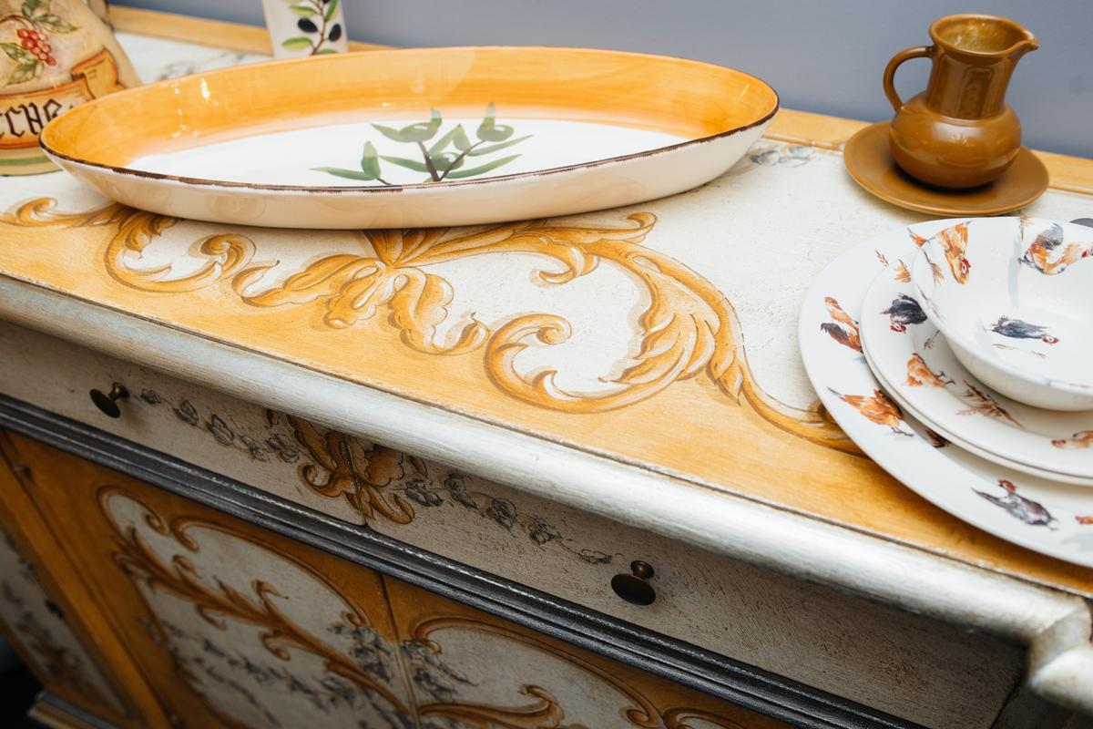 Комод ручной работы с утонченной росписью в винтажном стиле Salaiolo  - фото