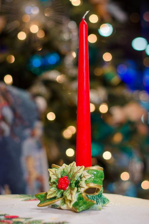 Подсвечник новогодний на одну тонкую свечу  - фото