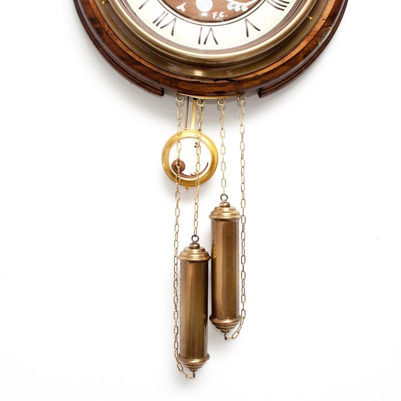 часы с маятником фото картинки стеллажи