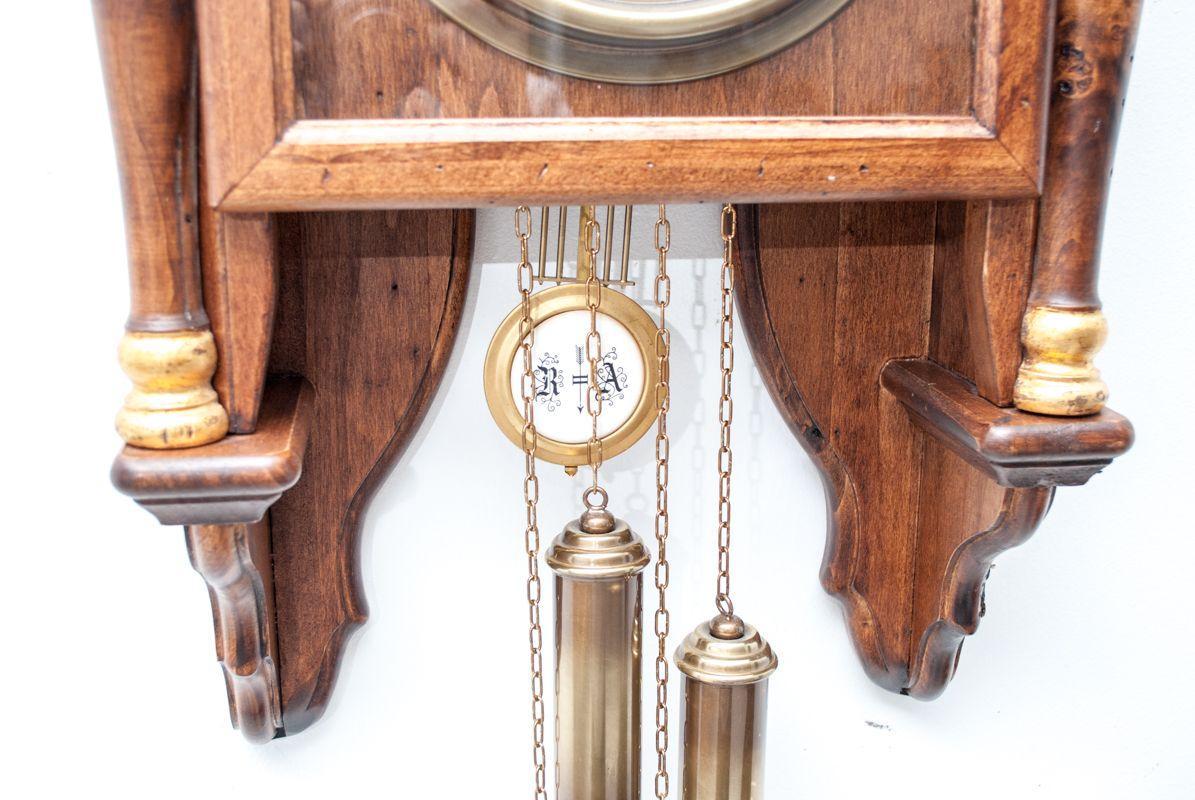 Часы настенные старинные с маятником и боем  - фото