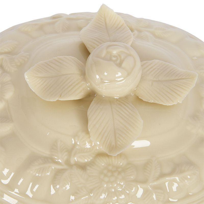 Фарфоровая емкость для горячего с изящным рельефным декором на подставной тарелке Crema  - фото