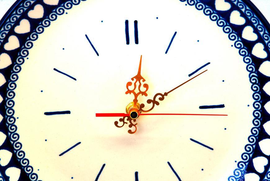 Часы круглые керамические  - фото
