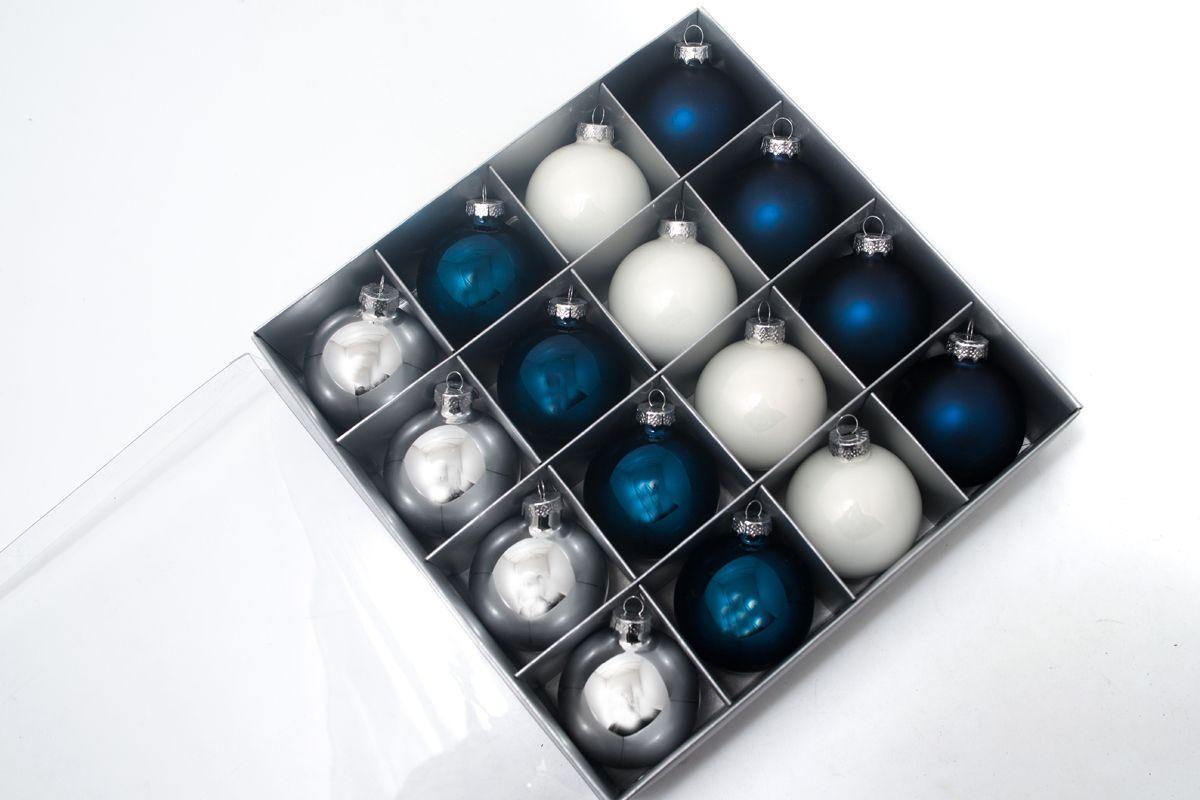 Набор новогодних игрушек белых и синих  - фото