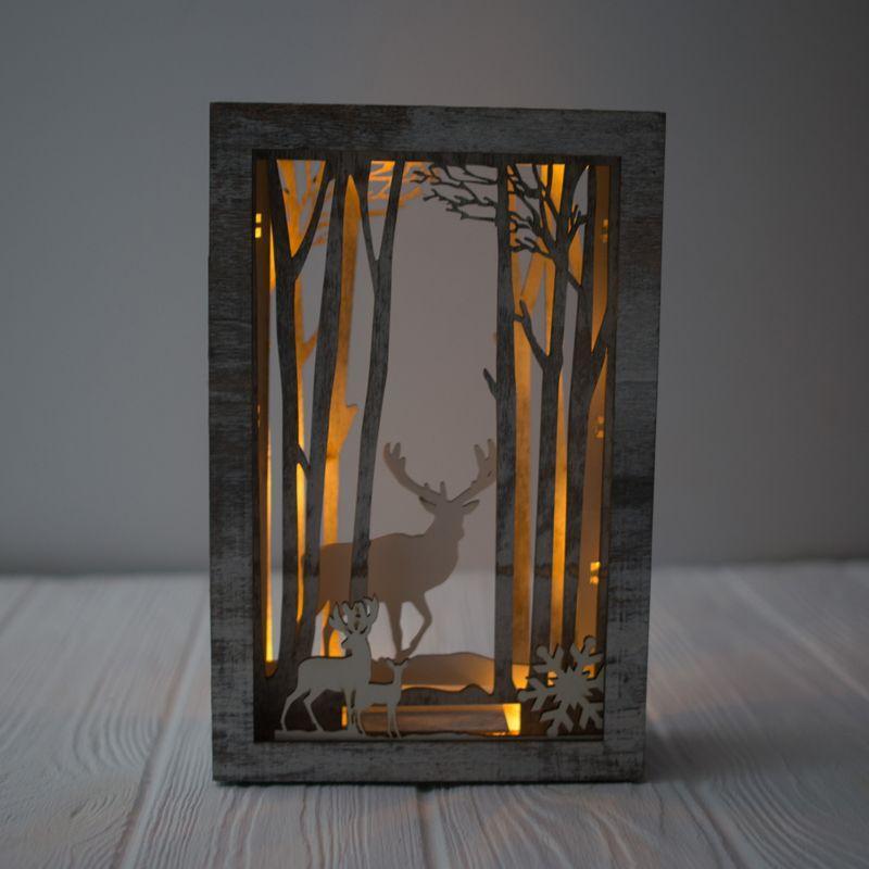 Новогодний декор с силуэтной картиной и led-подсветкой  - фото