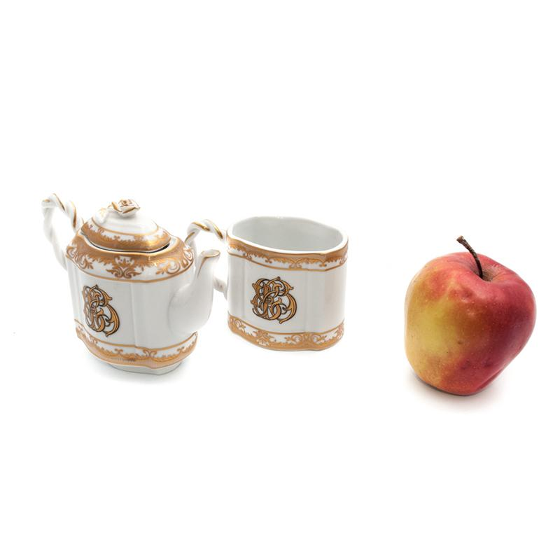 Чашка и заварник  - фото