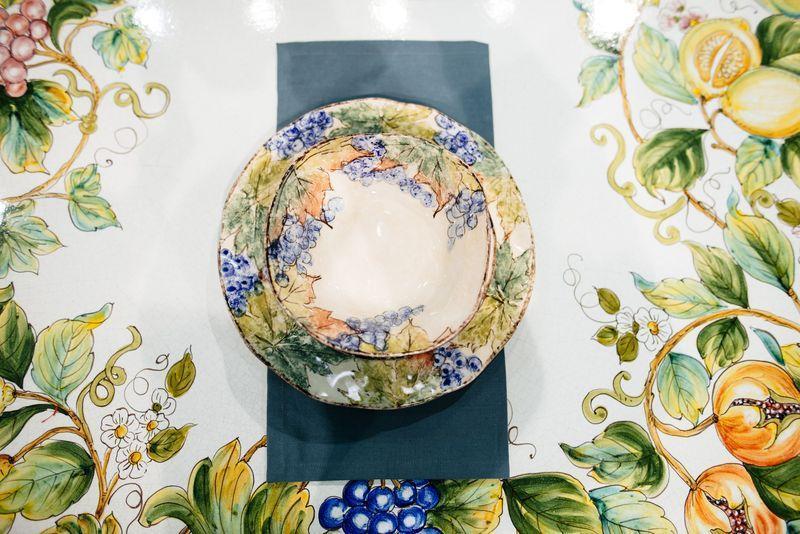 """Обеденная тарелка с красочной ручной росписью """"Виноград""""  - фото"""