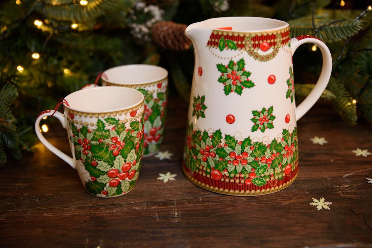 Яркая высокая чашка с новогодним рисунком «Исполнение желаний»  - фото