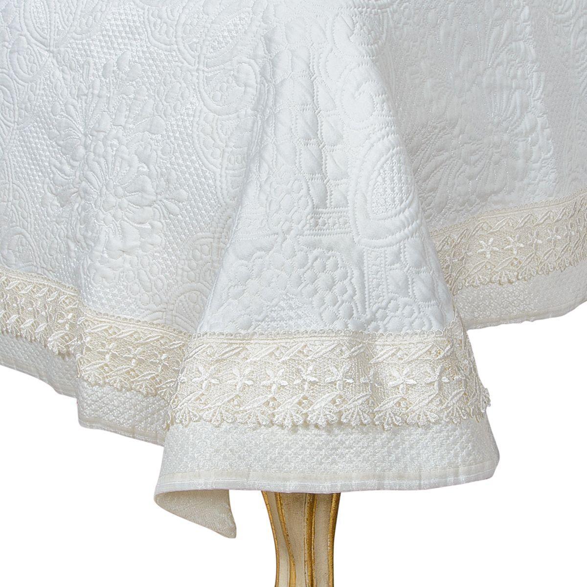 Покрывало текстильное бежевое с орнаментом Daniel  - фото