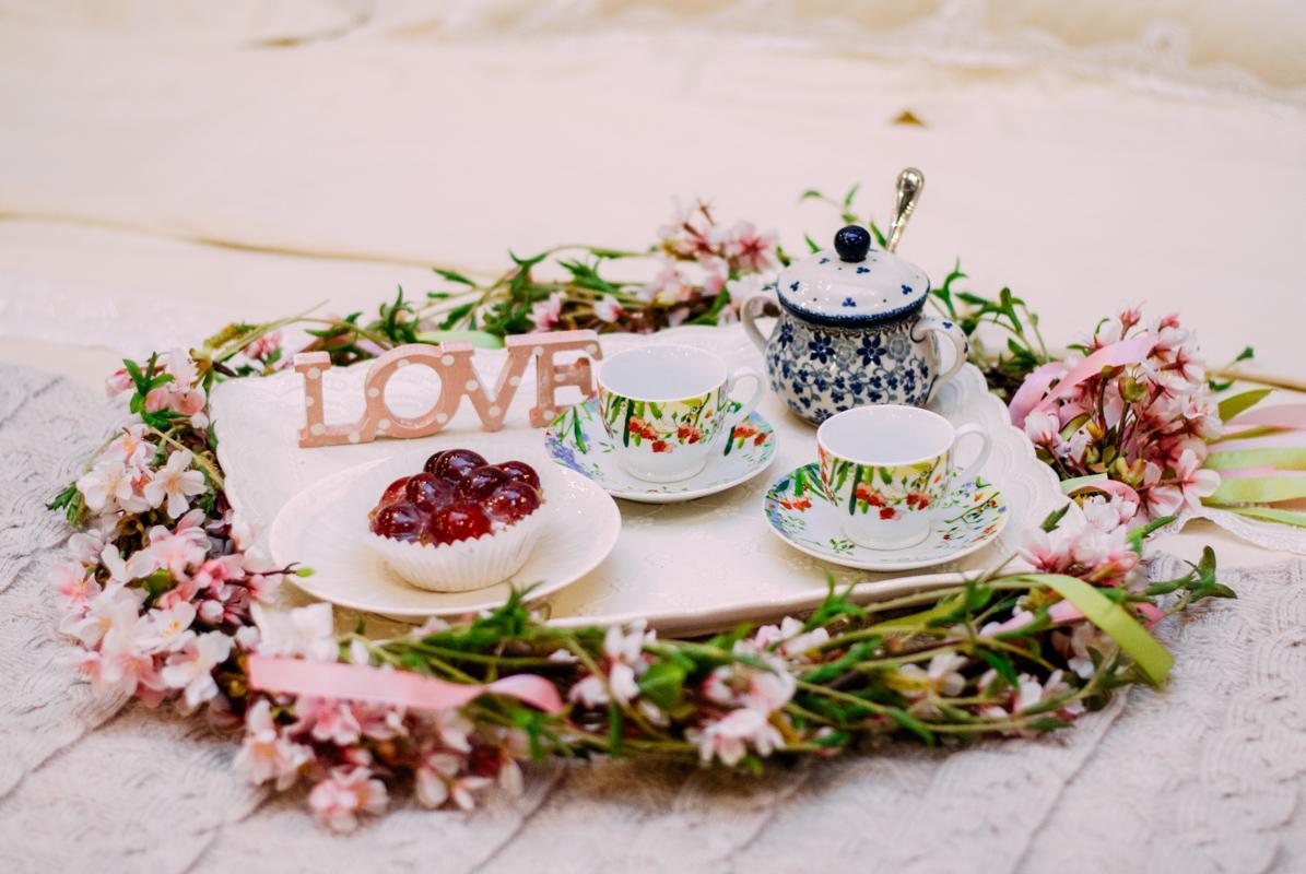 Сахарница с цветами  - фото
