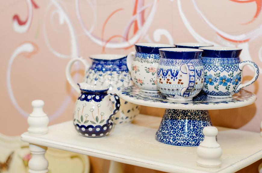 Молочник с ручкой из прочной керамики с синим узором  - фото