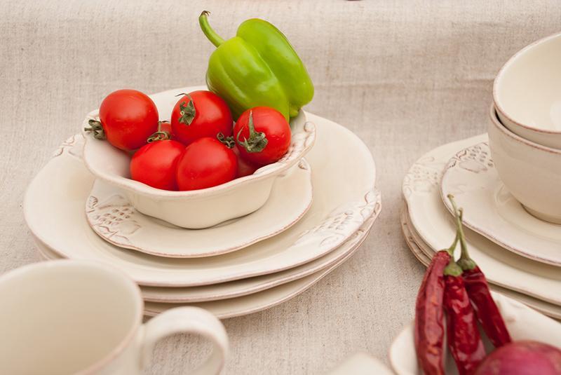 Красивая и долговечная посуда кремового цвета для подарка Mediterranea  - фото