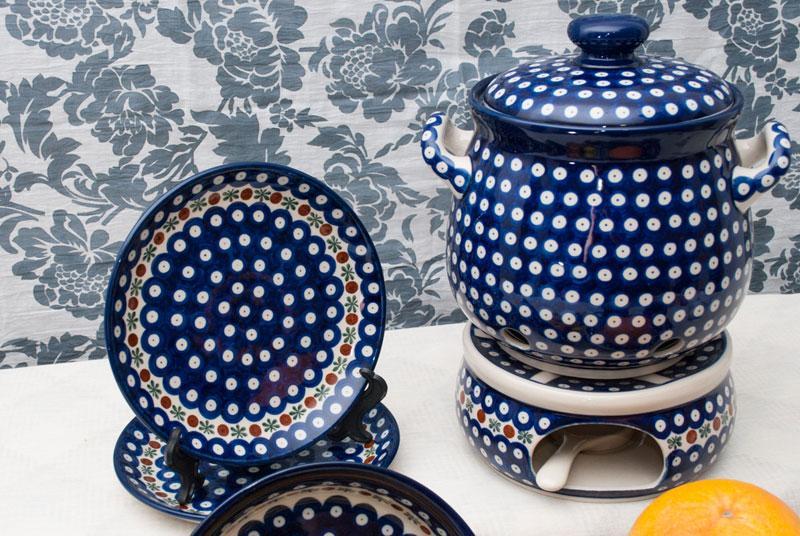Оригинальный керамический горшочек ручной работы для хранения лука  - фото