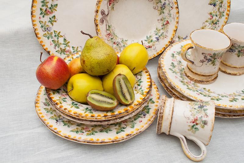 """Коллекция дорогой керамической посуды с ручной росписью """"Амуры""""  - фото"""