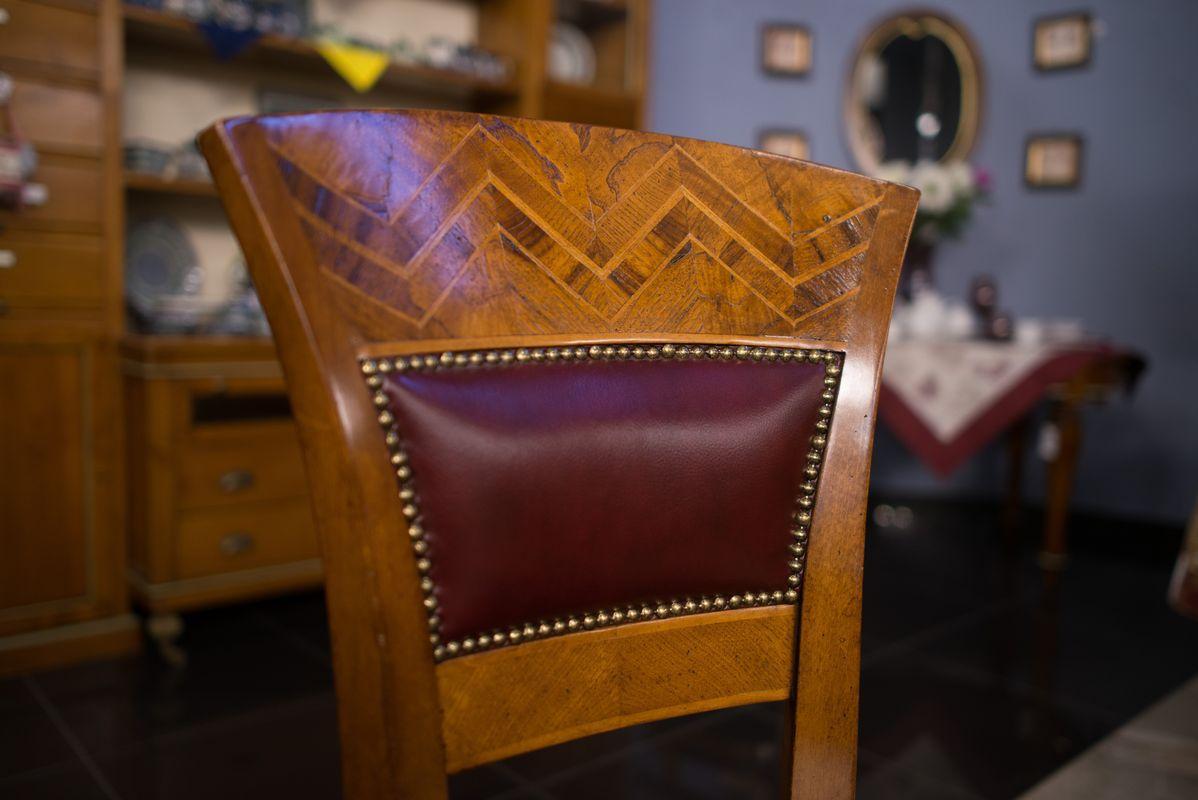 Стул ручной работы с высокой спинкой и кожаным сиденьем in Pelle Gabrielli Mobili  - фото