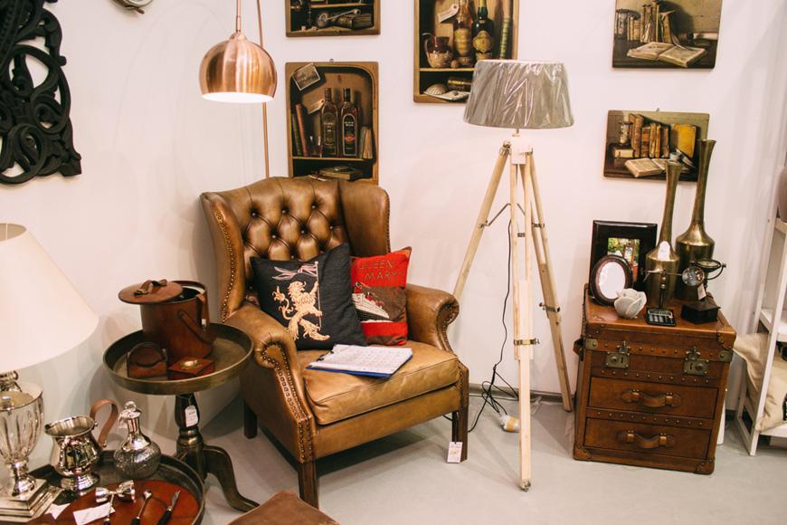 Столик из латуни  - фото