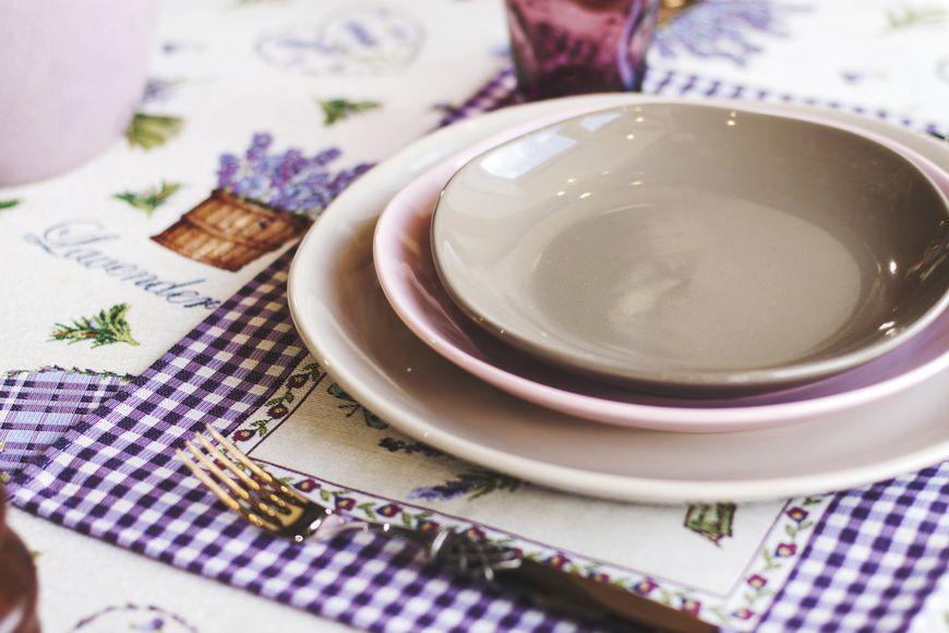 Круглое керамическое блюдо из коллекции бежевой керамики Ritmo  - фото