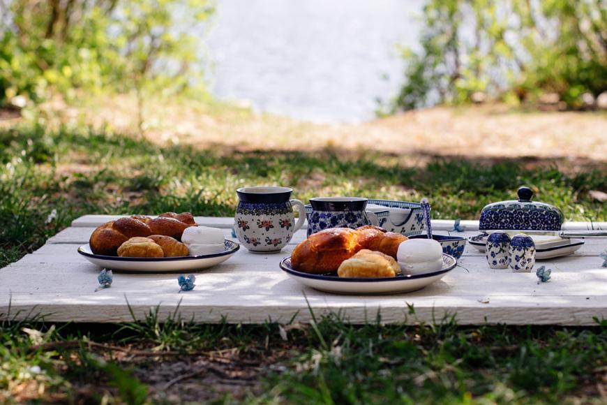 """Обеденная тарелка с синим цветочным орнаментом """"Вербена""""  - фото"""
