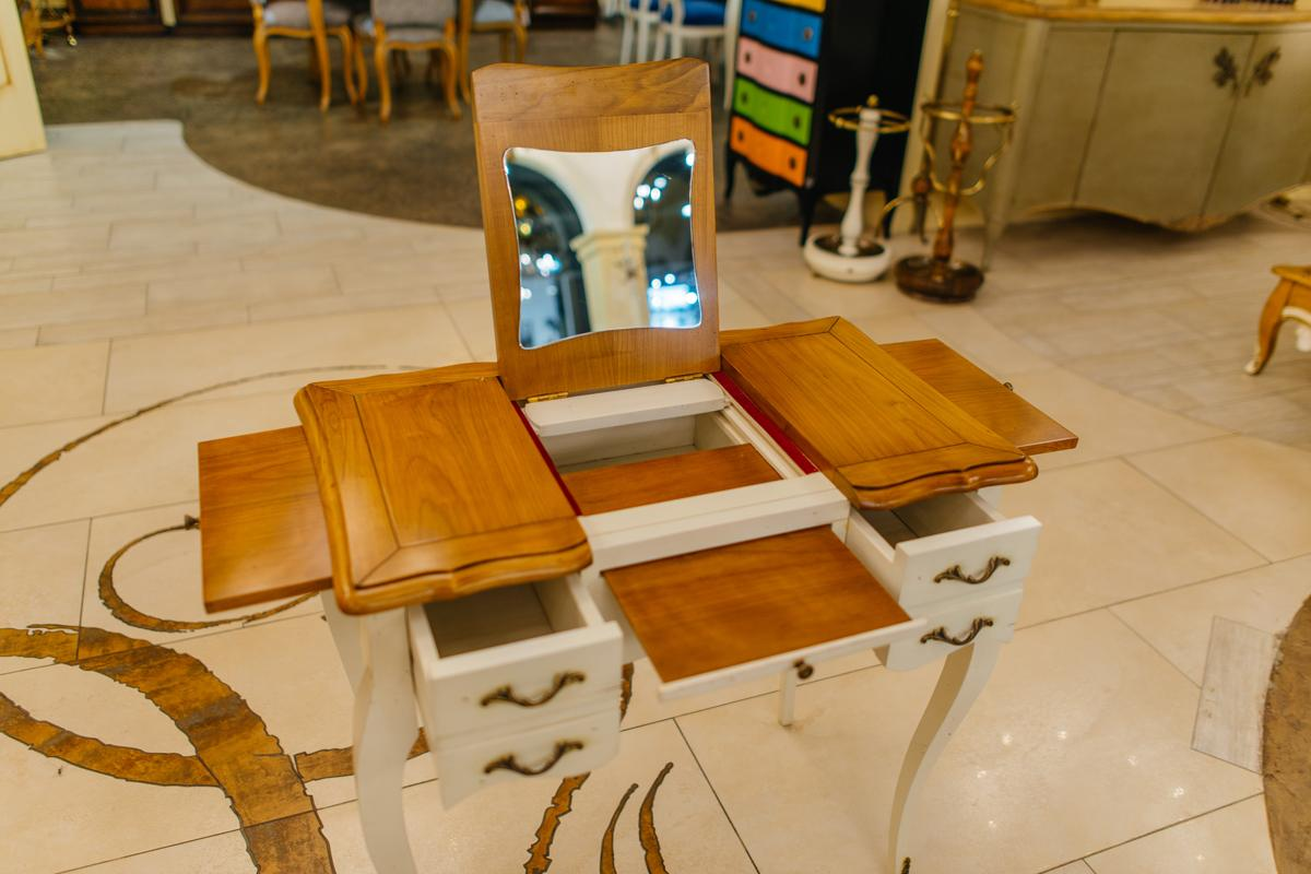Изящный туалетный столик-трансформер Rafael  - фото