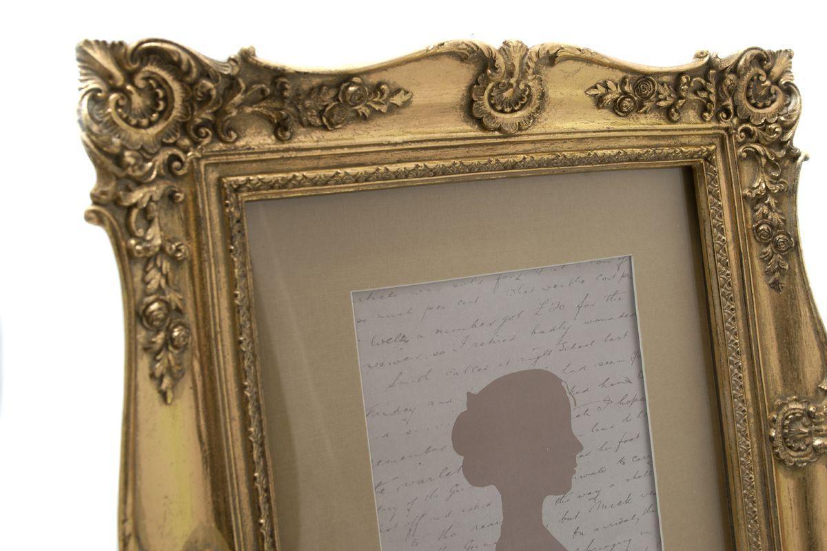 Настольная фоторамка бронзового цвета с рельефным декором  - фото