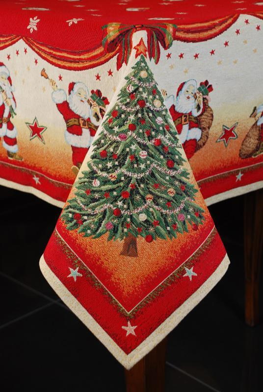 """Новогодняя скатерть из гобелена с красочным рисунком """"Санта Клаусы""""  - фото"""