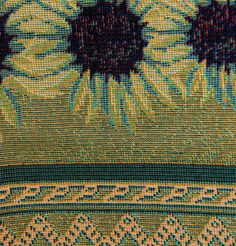 """Гобеленовая скатерть с крупными яркими соцветиями """"Подсолнухи""""  - фото"""
