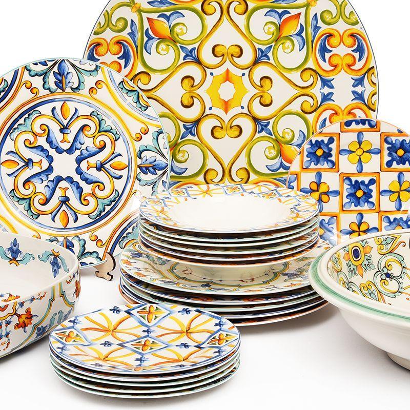 Круглое керамическое блюдо с орнаментом в стиле Ренессанса Medicea  - фото