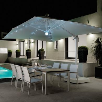 Садовый зонт  - фото