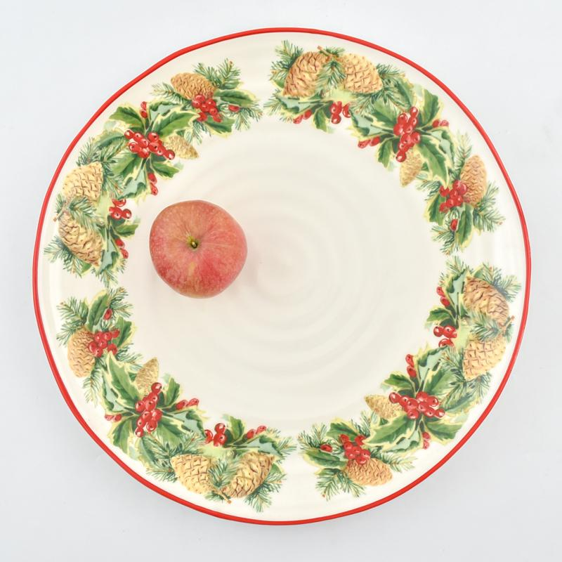 Круглое керамическое блюдо с праздничным рисунком «Зимний букет»  - фото