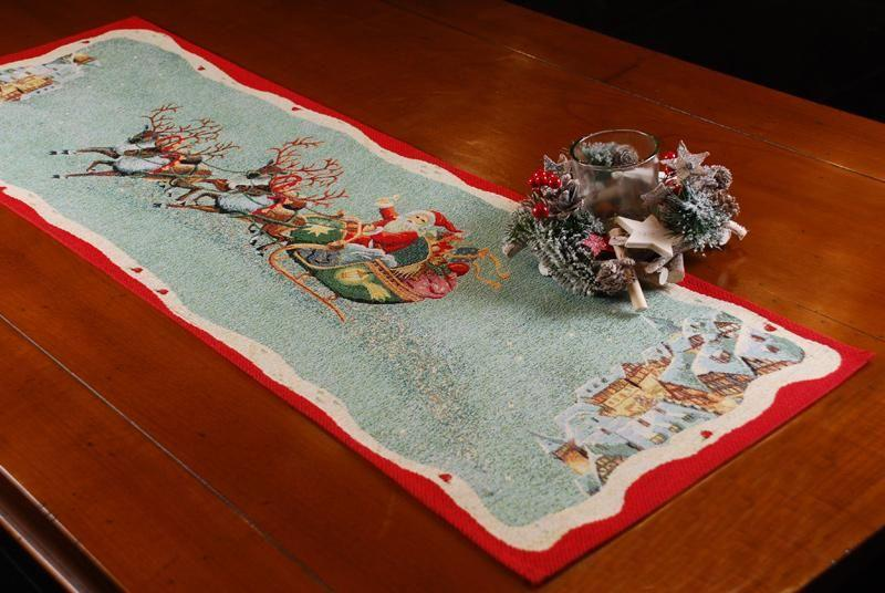 """Гобеленовый раннер с зеленым фоном """"Рождественские олени""""  - фото"""