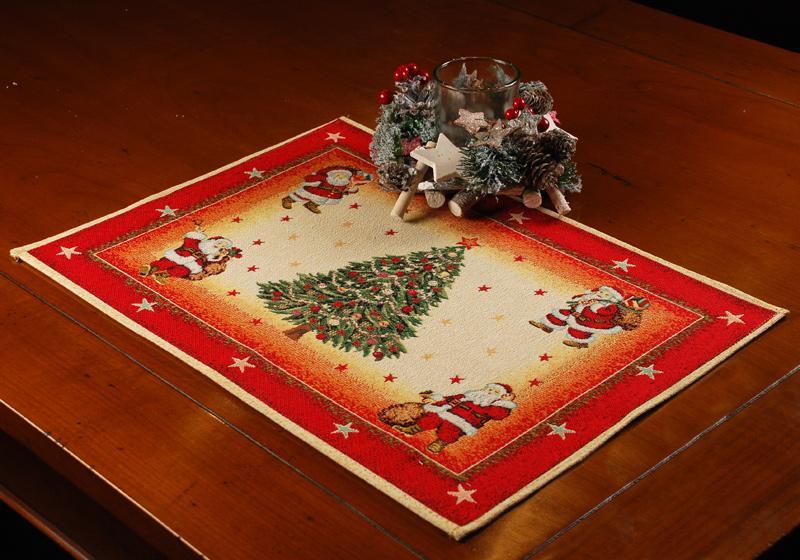 """Гобеленовая салфетка """"Санта Клаусы""""  - фото"""