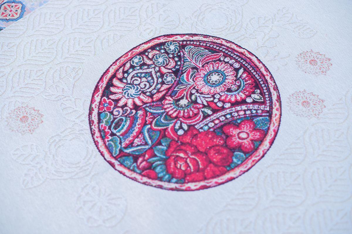 """Скатерть из гобелена с круглыми цветными фрагментами """"Цветочная мандала""""  - фото"""