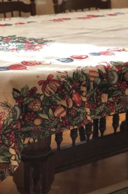 """Фото-отзыв пользователя к товару: Скатерть гобеленовая прямоугольная """"Новогодняя гирлянда"""" Villa Grazia Premium"""