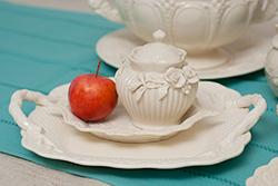 Керамическая посуда и декор