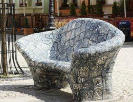 керамическая скамейка
