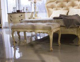 «Старая» новая мебель — 6 способов искусственного состаривания древесины