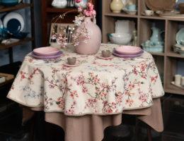 Скатерть для овального стола – варианты использования разных моделей